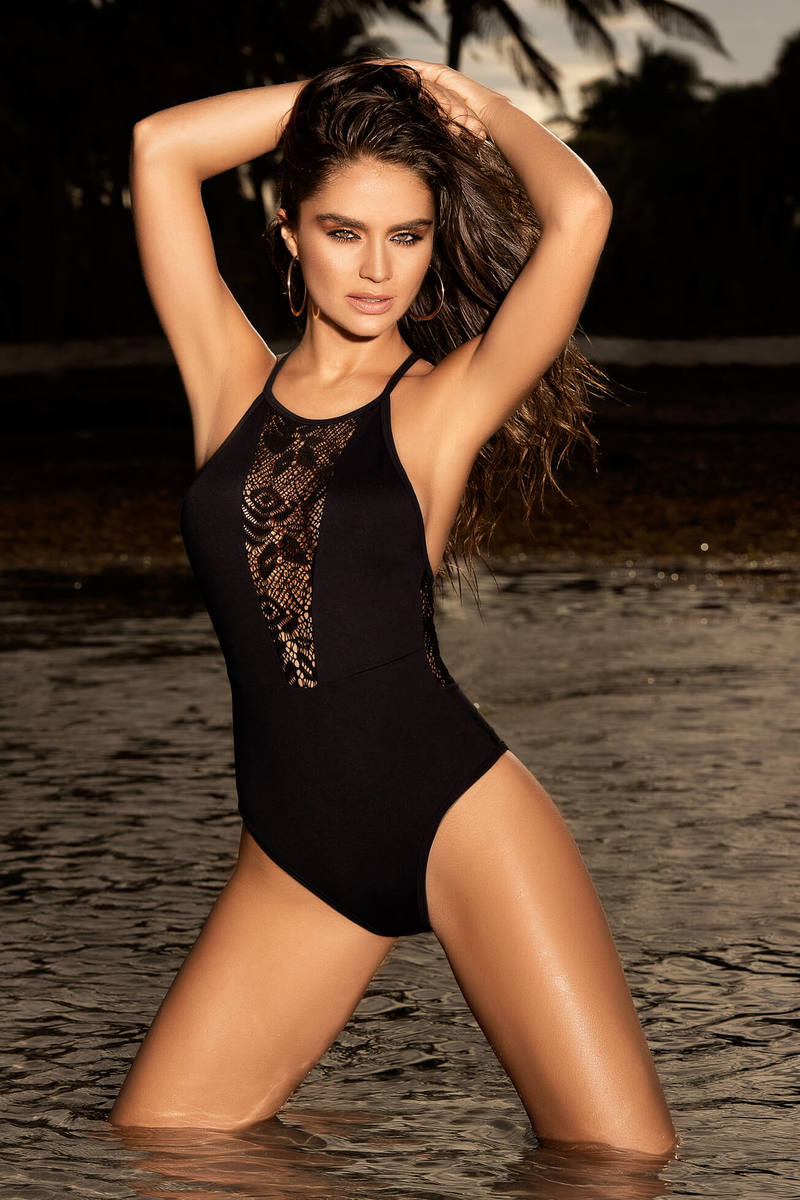 Simple & Dashing One Piece Swimsuit