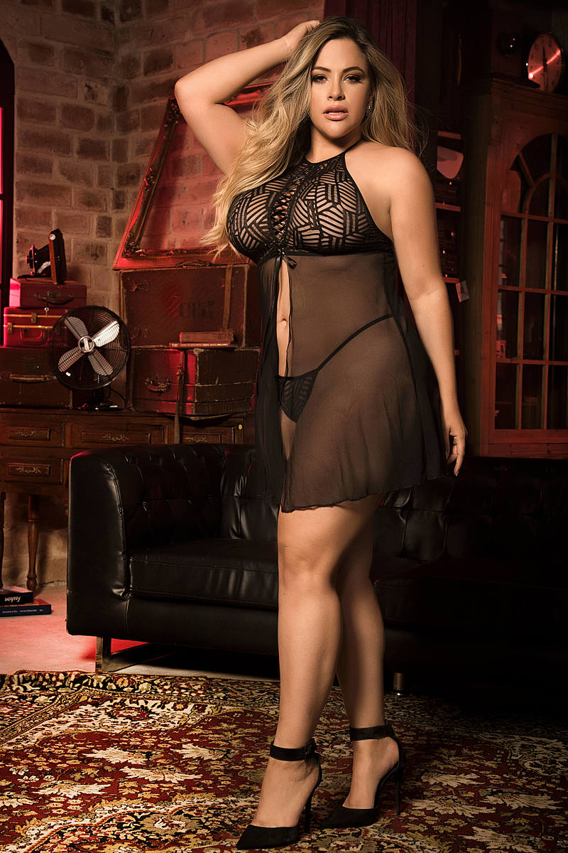 Plus Size Textured Halter Babydoll Set