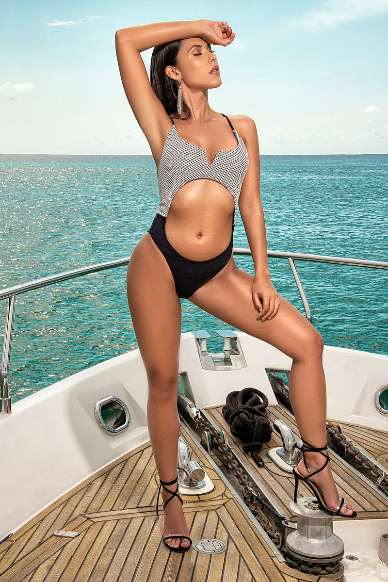 Trendy Chic One Piece Swimsuit