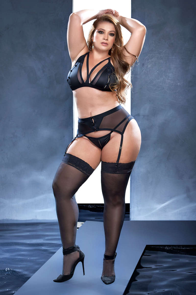 Plus Size Temptations Lingerie Set